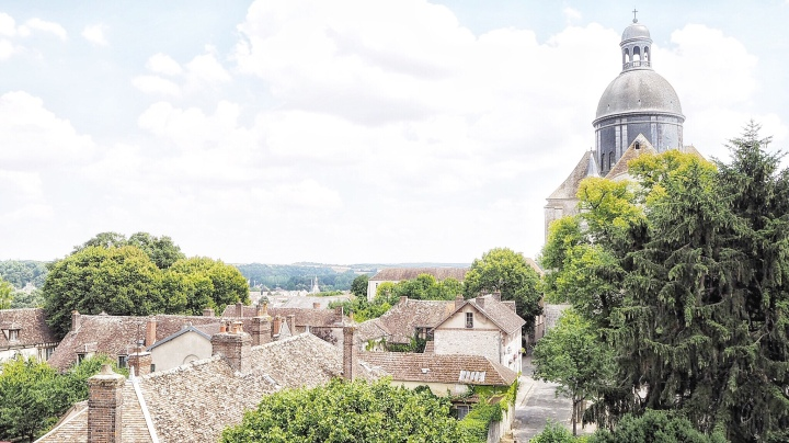 Stepping back to Medieval Times : Provins, France